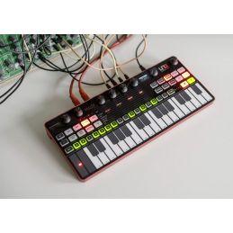 Synthé analogiques - IK Multimedia - UNO Synth Pro Desktop